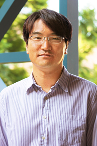 headshot photo of Dr. Seung Hee Kim
