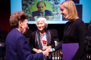 holocaust essay contest 2009